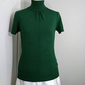 H&M green turtleneck short sleeve knit blouse
